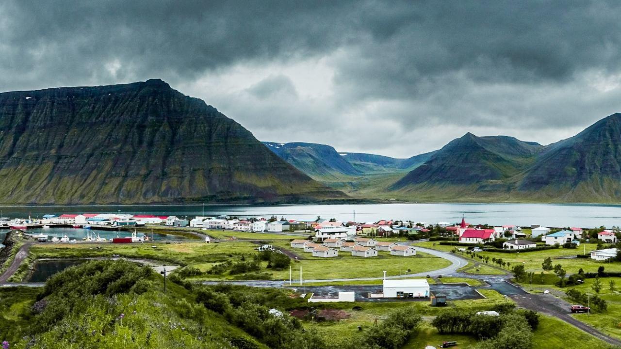 Ísafjörður. Tryggja þarf raforkuöryggi á Vestfjörðum, Raforkuöryggi á Vestfjörðum má bæta tífalt með því að leggja línur í jörð á bilanagjörnustu leiðunum. landvernd.is
