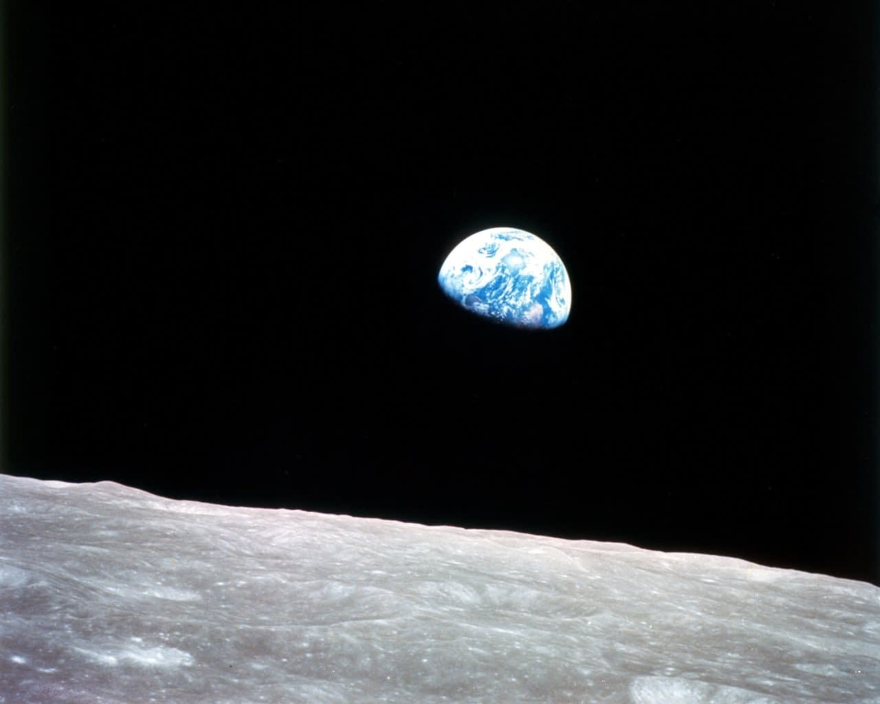 Jörðin, séð frá Tunglinu árið 1968. NASA. Landvernd.is