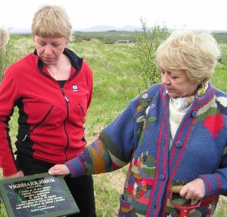Vigdís Finnbogadóttir á 75 ára afmæli sínu í Vigdísarrjóðri í Alviðru