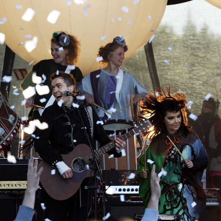 Náttúra 2008 - Björk og Sigurrós fluttu tónlist á tónleikum, tileinkuðum íslenskri náttúru, landvernd.is