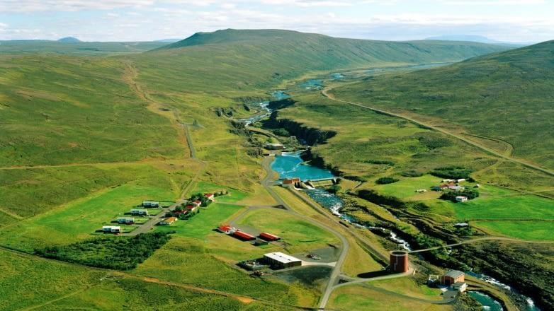 Laxá í Aðaldal er lindá sem rennur úr vestanverðu Mývatni. Náttúrufegurð við Laxá er mikil með gróna bakka, hraun og fjölbreytt lífríki.