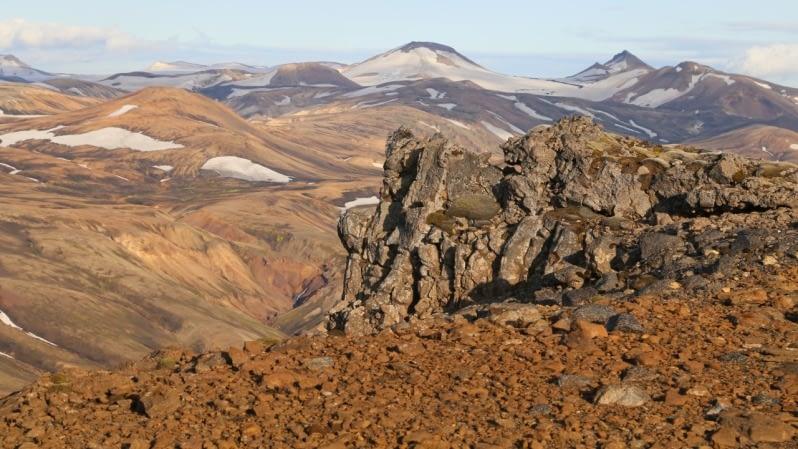 Kaldaklof er svæði innan Friðlands að Fjallabaki sem nær yfir jarðhitann í Háuhverum, Kalda- og Heitaklofi og þaðan upp undir Torfajökul.